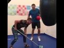 Ломаченко помогает Усику в подготовке