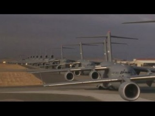 С-17 Много транспортных самолетов, вид из кабины пилотов / Взлет, дозаправка, посадка