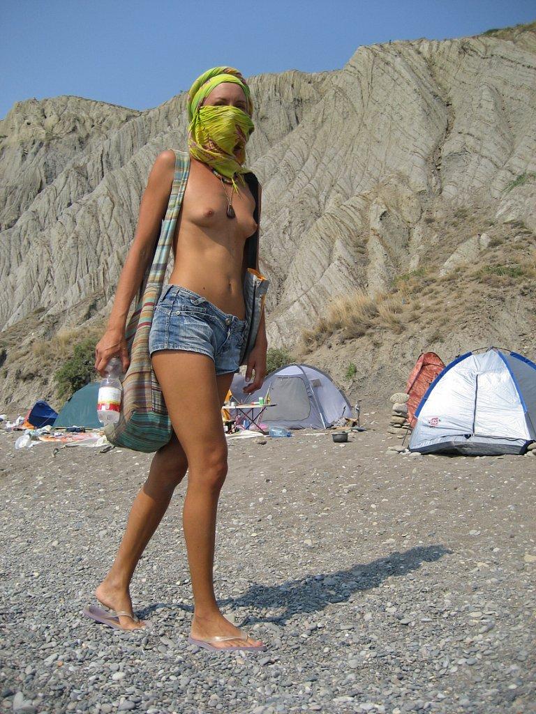 fucking on the beach  Anybunnycom