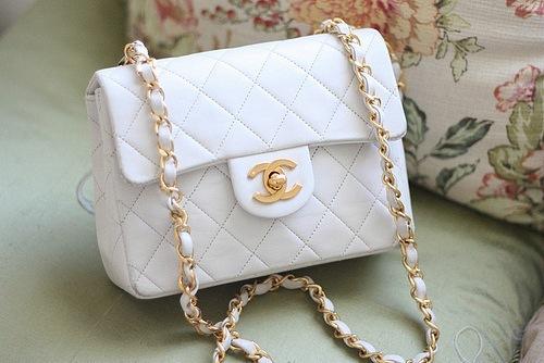 Как создавалась легендарная сумка Chanel 2.55?