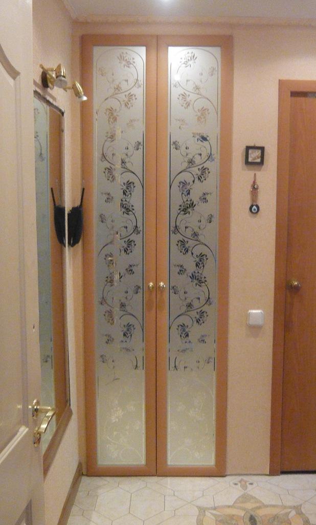 Дверь в кладовку в квартире хрущевке: своими руками раздвижн.