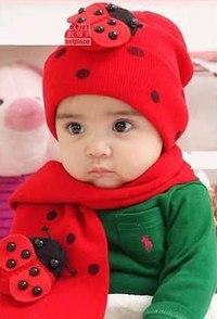 Шапочка+шарфик с божьей коровкой для девочки от 2 до 4 лет.
