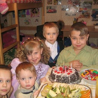 Дашулька Кремнёва, 22 марта , Полярные Зори, id147613876