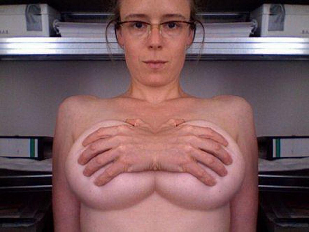 Тетки голые с большой грудью