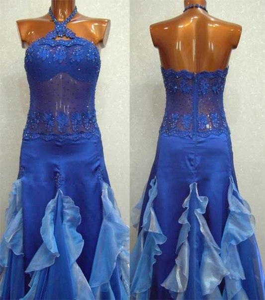 Бальное платье Стандарт выигрышно смотрится во время выступлени