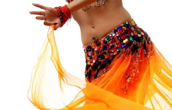 Научившись основам танца живота, женщины становятся еще красивее...