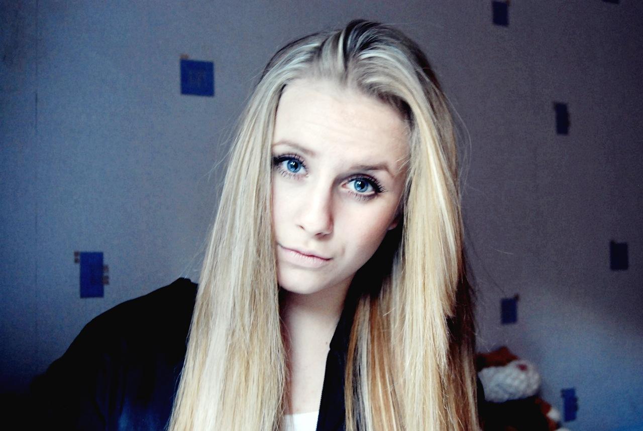 Русскую блондинку вику 25 фотография