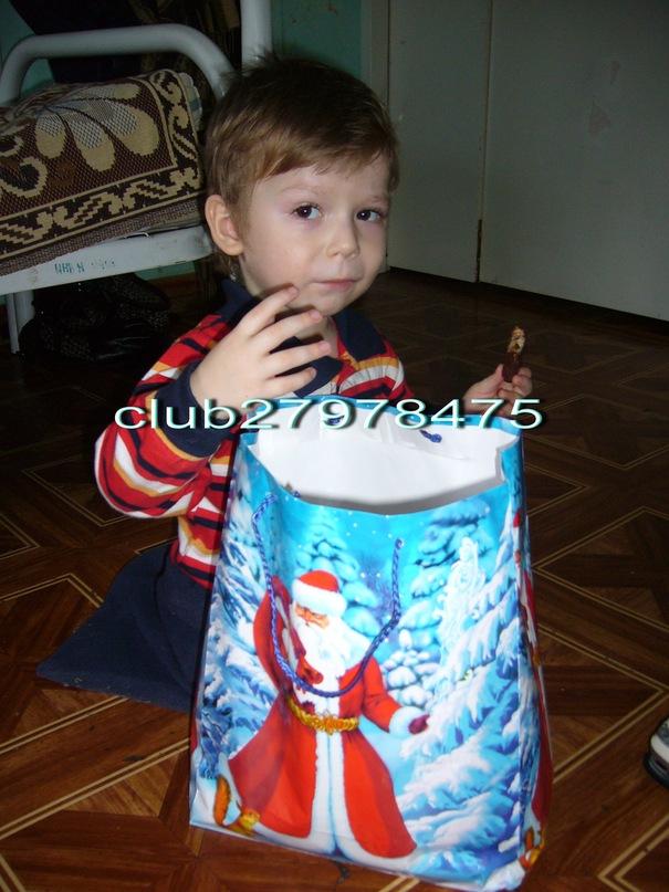 http://cs10077.vkontakte.ru/u142968290/148379196/y_ce2aec95.jpg