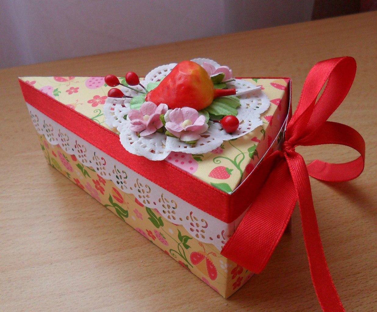 Торт из коробок подарок 22