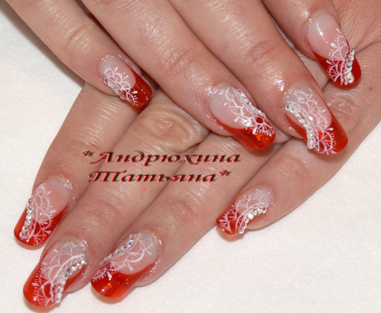 Красные кружева на ногтях
