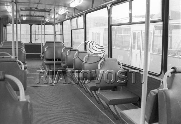 Салон ЗиУ-684