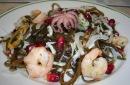 Найти все публикации.  Салат из морской капусты с море продуктами. lan4.