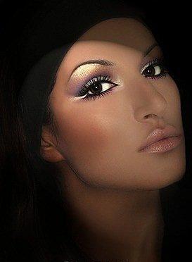 Профессиональный Визажист-Стилист подберёт дневной макияж, окажет услуги по нанесению вечернего, свадебного, макияжа...