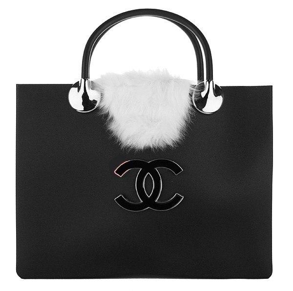 галереях: сумки шанель белая с платком, биография коко шанель и... сумка.