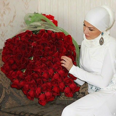 На счет своим девушкам 101 рубль