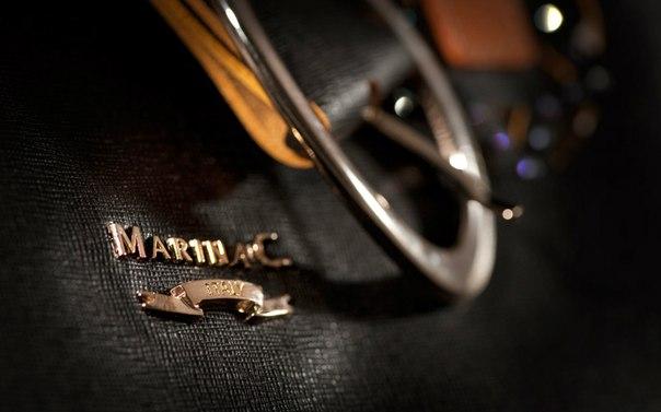 Сумки Marina C. часто украшаются стразами, бусинами, чтобы выглядеть...