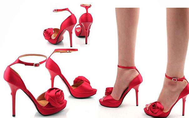 Зимняя обувь на платформе и шпильке