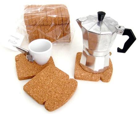 Подставка в виде куска хлеба