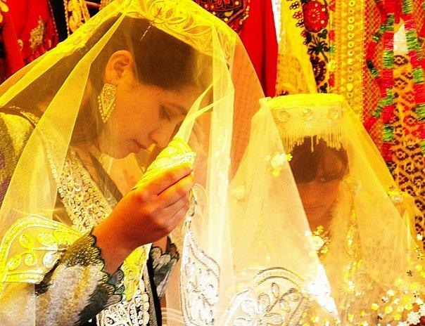 свадебные платья с голубыми вставками