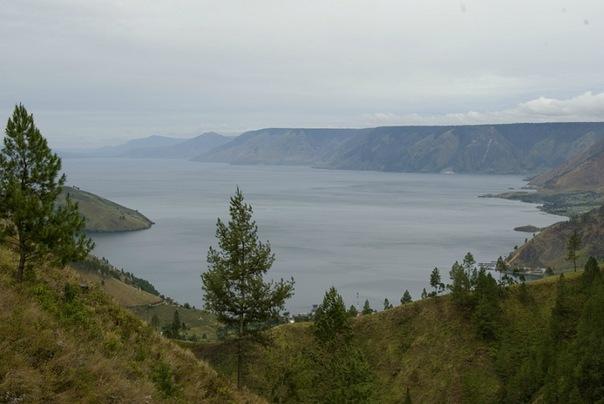 Вид на озеро Тоба
