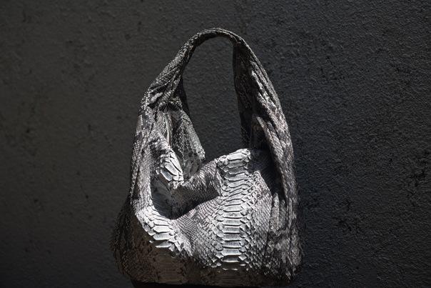 Купить сумку из питона в интернет-магазине Borsellino вы можете уже...