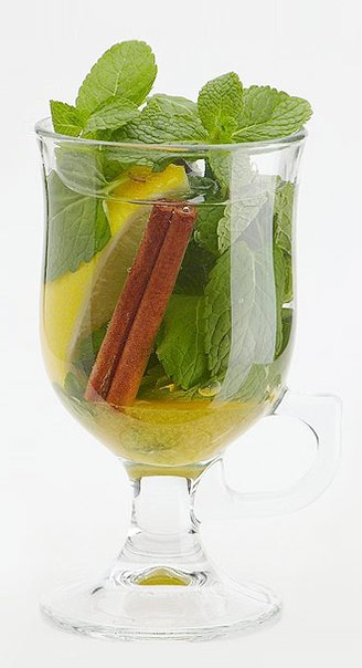 Горячие напитки.  Меню.  Мятный чай с мёдом и корицей.