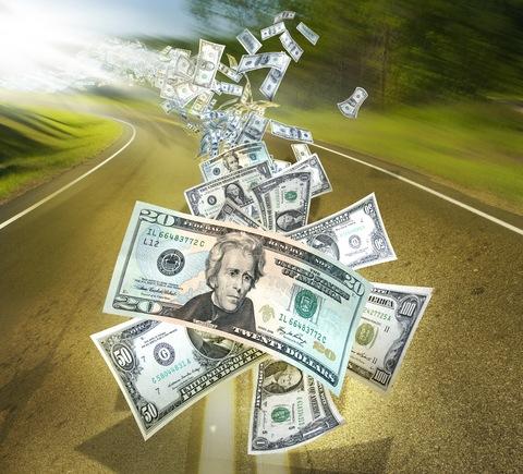 С начала 2013 года объем сомнительных операций, связанных с выводом средств за рубеж, достиг 1,5 трлн рублей...