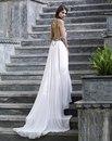 сексуальное свадебное платье с открытой спиной от amanda wakeley.