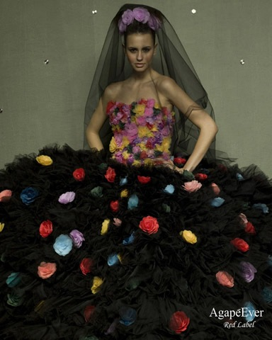 Интересные свадебные платья.