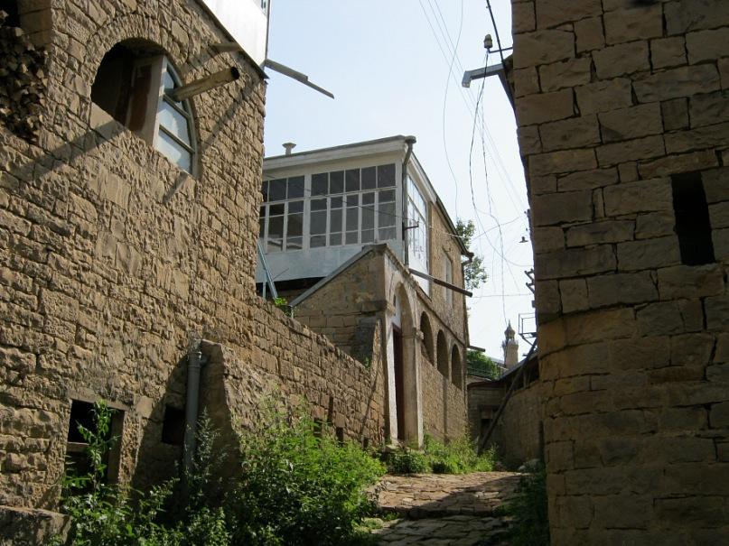 Старинные дома в ауле Согратль (Дагестан)