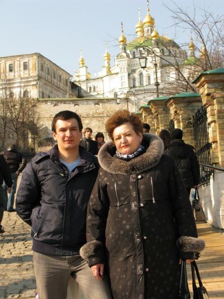 Лавра, Киев, 2011. С мамой