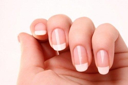 Нарощування нігтів. Міфи про шкідливість