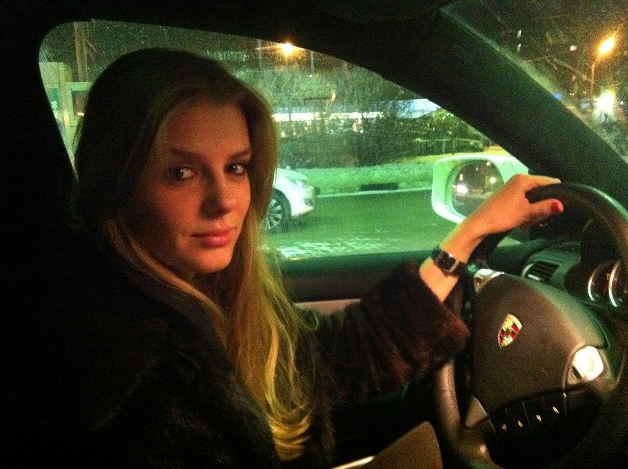 Русские женщины в машине 10 фотография