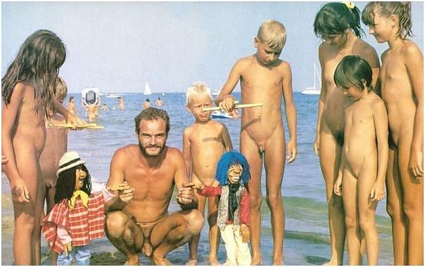 мама с дочкой голые фото