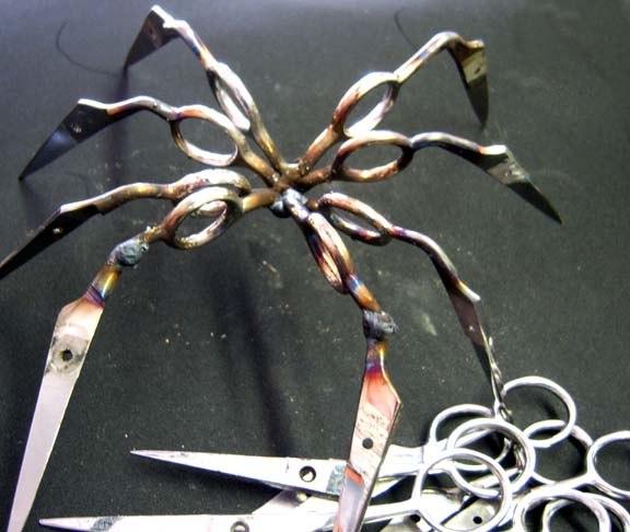 Интересное.  Мы делали, делали и паука из ножниц сделали.