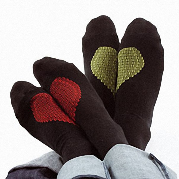 если совсем в сердечках, а если такой вариант, то вообще бы носил. про носки...