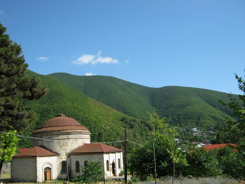 древний албанский храм в Шеки