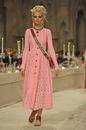 Карл Лагерфельд показал индийскую коллекцию Chanel.