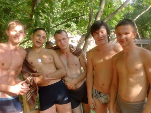 голые мальчики на природи