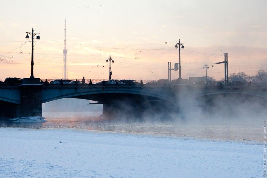 Ушаковский мост зимой
