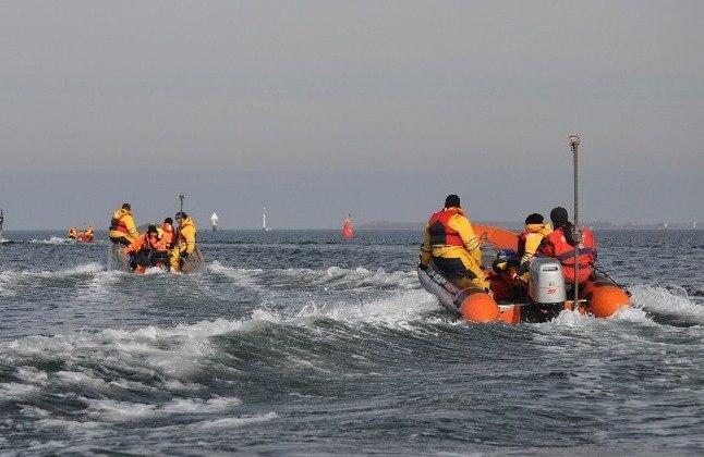 Оранжевые лодки