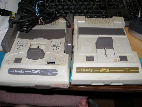 Куплю Денди 90-х от стиплера, рабочую, с джойстиками, блоком питания, кабелем, играми. . Вот такую