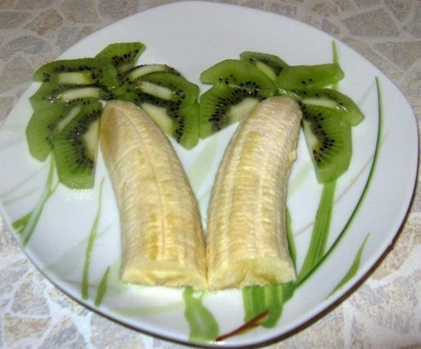 Банан - 1шт Киви - 1 шт Мандарин - 2шт.  Фруктовая пальма.