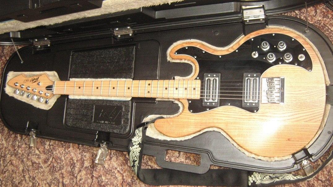 peavey t-60 + case - 19000