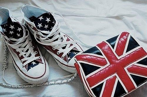 Вещи с использованием символики Британского флага.
