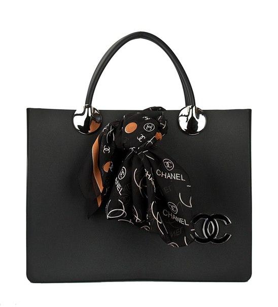 19) Дорожная Женская сумка Chanel на колесах с выдвижной ручкой.  Материал: Текстиль под шелк Размер: 58*43 Цвета...