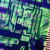 Земная цивилизация держится на микропроцессорах.  Они везде: в компьютерах, телефонах, станках, плеерах.