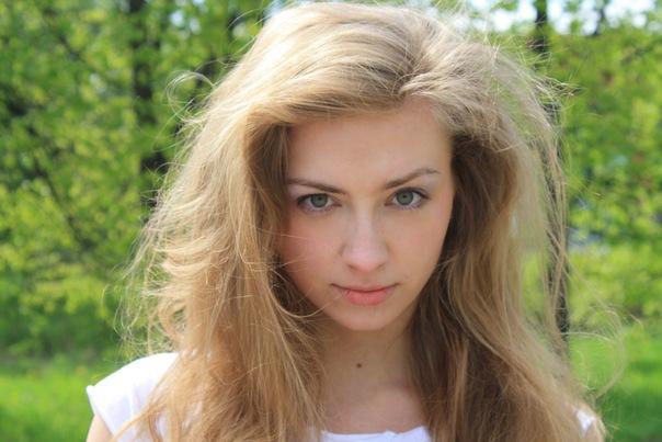 Русые волосы зеленые глаза фото — как