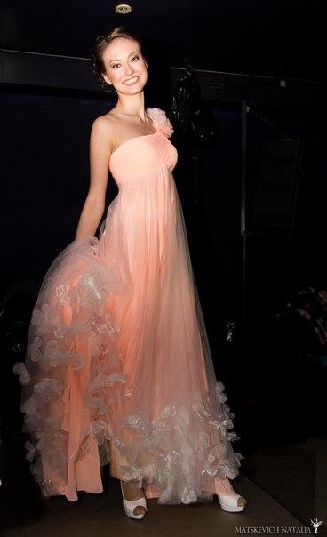 ...новые фото - Анонс длинных платьев в пол,Всю коллекцию длинных...