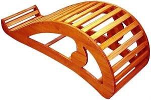 Йоговская скамейка для прогибов.  Асана - это упражнение.  Про асану спросила, а вот для занятий существуют.